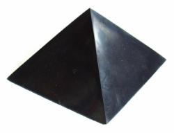 sungitova-pyramida-20x20